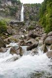 Водопад Foroglio в долине Bavona на Швейцарии Стоковое фото RF