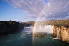 Водопад Godafoss красивейшие здания моста будут фермером ландшафт озера lagarfljot Исландии стоковая фотография