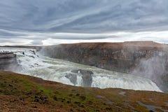 Водопад Gullfoss в пасмурном дне Стоковые Фото