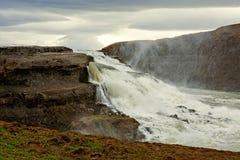 Водопад Gullfoss в пасмурном дне Стоковые Фотографии RF