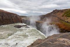 Водопад Gullfoss в пасмурном дне Стоковые Изображения RF