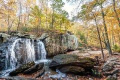 Водопад Kilgore в Аппалачи в Мэриленде во время осени стоковое фото