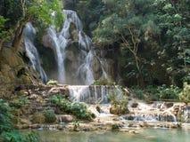 Водопад Kuang Si в prabang Luang, ЛАОСЕ Стоковая Фотография RF