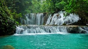 Водопад Piala, водопады на Luwuk Индонезии стоковое фото rf
