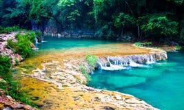 Водопад Semuc Champey Стоковое Изображение