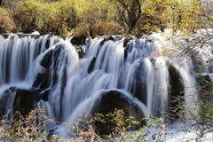 Водопад shuzheng Jiuzhaigou стоковые фотографии rf
