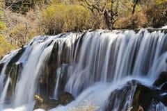 Водопад shuzheng Jiuzhaigou стоковая фотография rf