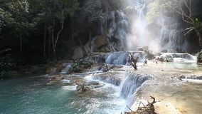 водопад si prabang luang Лаоса kuang видеоматериал