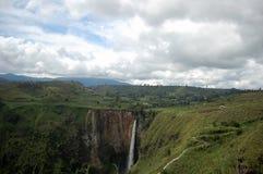 водопад sipiso piso Стоковое Фото