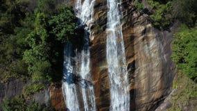 Водопад Siriphum вида с воздуха в Chiangmai, Таиланде видеоматериал