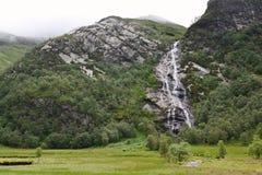 Водопад Steall, Шотландия, Глен Невис, гористые местности, Великобритания стоковая фотография rf