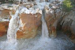 водопад suraj kund Индии gangotri свирепствуя одичалый Стоковая Фотография
