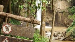 Водопад Thi Lo Su видеоматериал