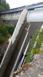Водосброс запруды Кливленд в северном Ванкувере, Канаде стоковое фото