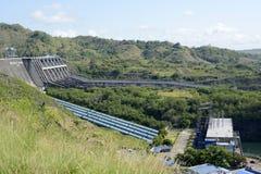 Водосброс запруды Magat гидро электрической в гористом Ifugao стоковое фото rf