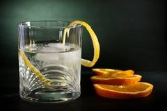 водочка питья трески предпосылки искусства спирта Стоковые Изображения RF
