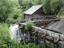 Водяная мельница конца девятнадцатого века стоковые изображения