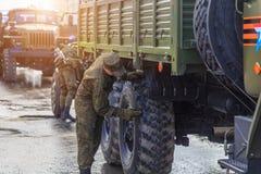 Военное транспортное средство на улице Стоковое Изображение RF