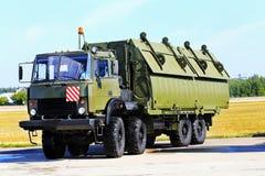 Военное транспортное средство с телом рамки и коробки металла Стоковые Изображения RF