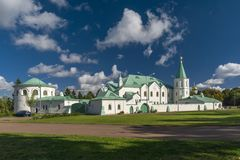 Военные камеры в парке Aleksandrovsky стоковое фото