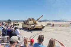 Военные транспортные средства выполняя на авиасалоне Miramar Стоковая Фотография