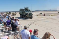 Военные транспортные средства выполняя на авиасалоне Miramar Стоковое Изображение RF