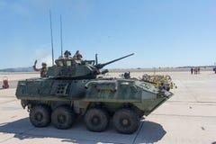 Военные транспортные средства выполняя на авиасалоне Miramar Стоковое фото RF