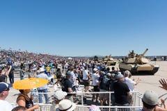 Военные транспортные средства выполняя на авиасалоне Miramar Стоковые Изображения RF