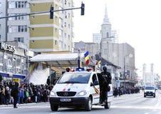 Военный автомобиль на параде в Zalau, Румынии стоковое изображение rf