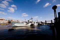 Военный корабль на Темза Стоковое фото RF