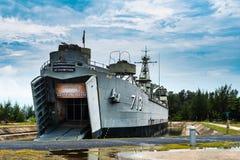 Военный корабль Phangan Koh королевский на пристани Sala ремня Стоковые Фото