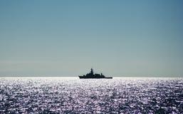 Военный корабль в океане Стоковое Изображение