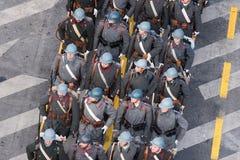 Военный парад празднуя национальный праздник Румынии стоковые изображения rf