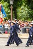 Военный парад (дефиле) во время церемонии французского национального праздника, бульвара Elysee чемпионов Стоковые Фотографии RF