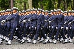 Военный парад (дефиле) во время церемонии французского национального праздника, бульвара Elysee чемпионов Стоковое Изображение RF