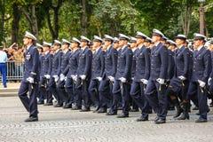 Военный парад (дефиле) во время церемонии французского национального праздника, бульвара Elysee чемпионов Стоковая Фотография