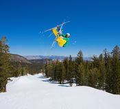 воздух большой получает радикальный лыжника Стоковое фото RF