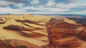 Воздушная панорама ландшафта пустыни, Фуэртевентуры акции видеоматериалы