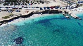Воздушная панорама пляжа Крита и голубое море сток-видео