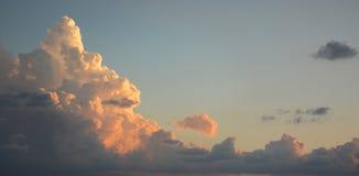 воздушная предпосылка заволакивает взгляд неба Стоковые Фотографии RF