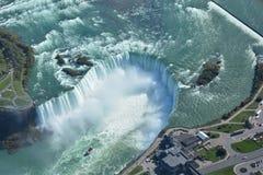 Воздушная съемка падений Ниагарского Водопада Онтарио подковы Стоковые Изображения