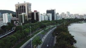Воздушная съемка прибрежного бульвара в Рио-де-Жанейро, Бразилии видеоматериал