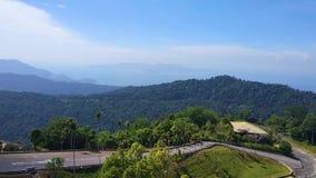 Воздушное видео над тропическим лесом в солнечном дне видеоматериал