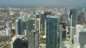Воздушное видео трутня Майами Highrise башни Brickell акции видеоматериалы