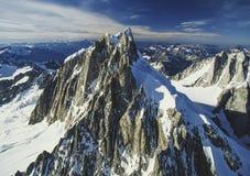 Воздушное изображение Mt Waddington, ДО РОЖДЕСТВА ХРИСТОВА, Канада стоковое изображение rf
