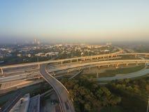 Воздушное межгосударственное I-10, северный взаимообмен стога скоростного шоссе I-45 ни Стоковые Фото