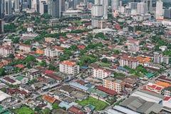 Воздушное фото - крыша домов Маленький город около Куалаа-Лумпур, Малайзии Стоковая Фотография