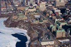 воздушное фото парламента холма стоковые изображения