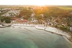 Воздушное фото располагаться лагерем около novigrad, istria Стоковые Изображения