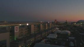 Воздушное OLIMPIC VILAGE, СОЧИ, РОССИЯ Олимпийская деревня в Сочи на ноче Изумительная перспектива фантастического Bogatyr стоковые фото
